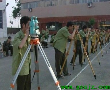 河北省交通职业技术学校公路专业测量实习.jpg