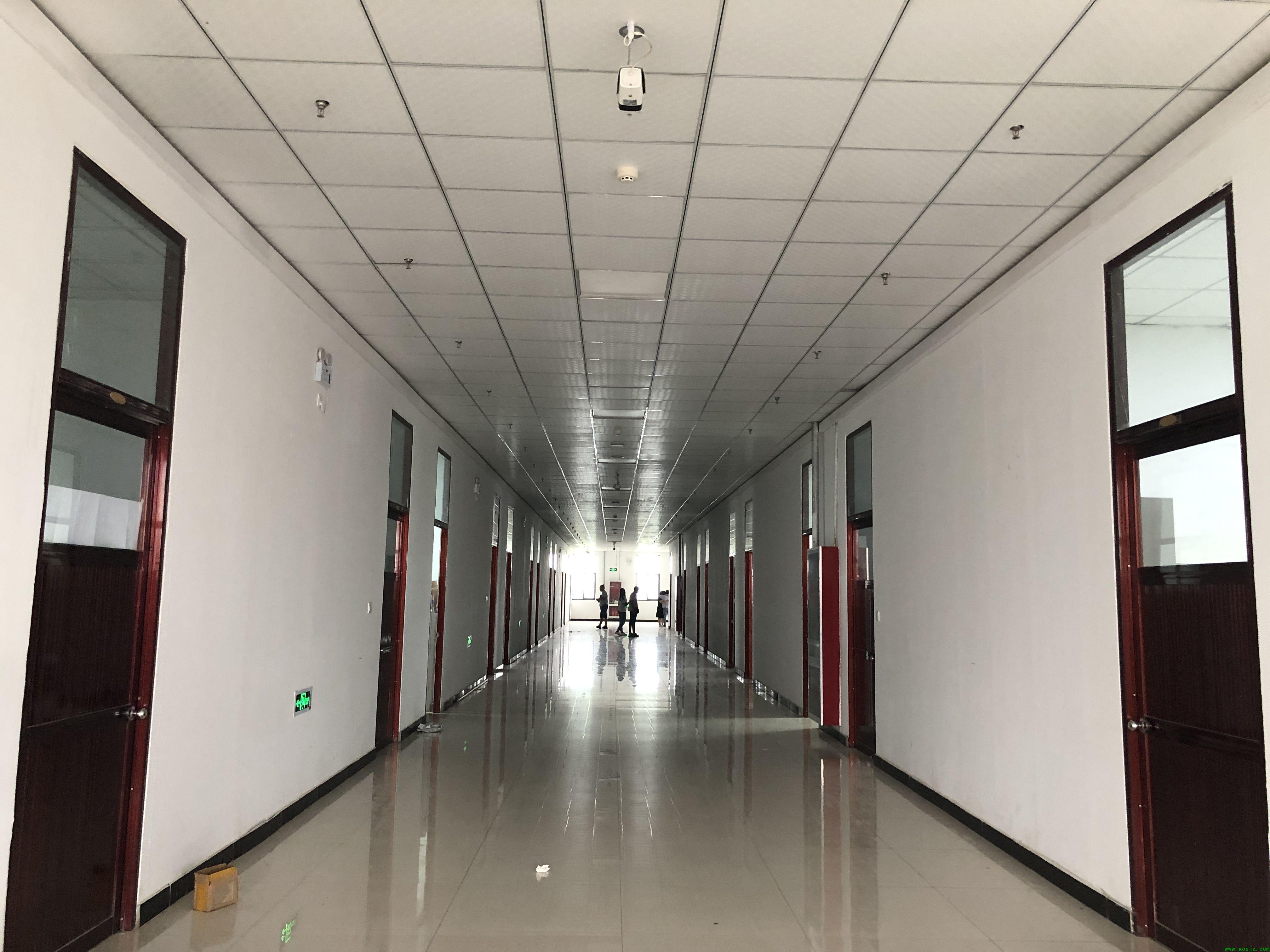 石家庄白求恩医学院宿舍走廊