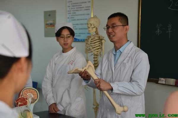 石家庄冀联医学院对于往届生初高中毕业生还可以上吗?